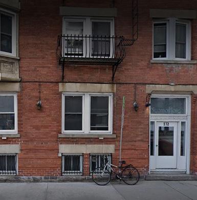 Emergency housing for women at risk